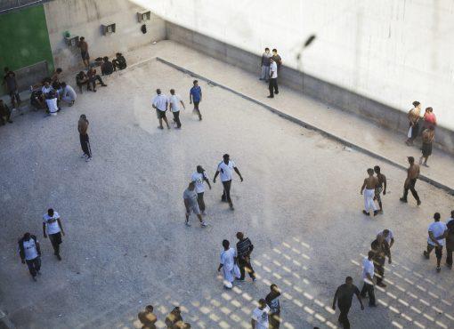Crise sanitaire en prison : le Conseil d'État s'enferme dans l'inaction
