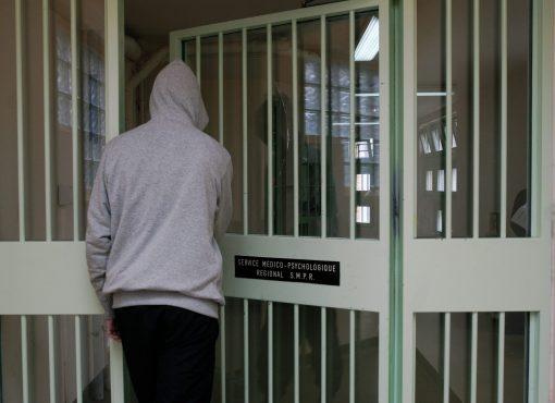 Soins psychiatriques en prison : un pansement sur une plaie béante
