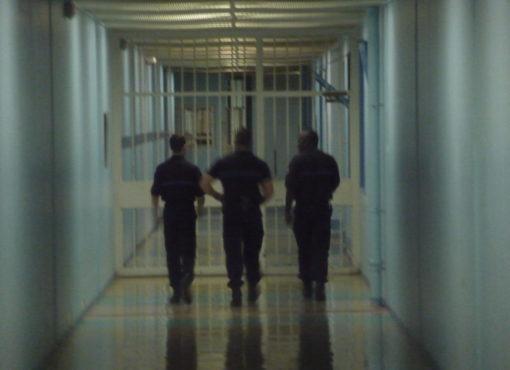Un surveillant condamné pour le passage à tabac d'un détenu à la maison d'arrêt de Villepinte : l'arbre qui cache la forêt