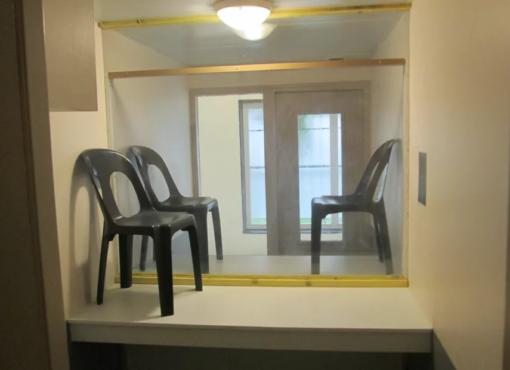 Plexiglas au parloir : des détenus de Seysses font condamner l'administration