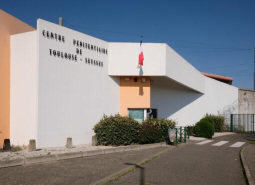 Conditions de détention indignes à la prison de Toulouse-Seysses : l'État sommé d'agir